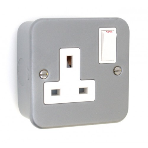 Metal Clad 1 Gang 13A Plug Socket - MC06